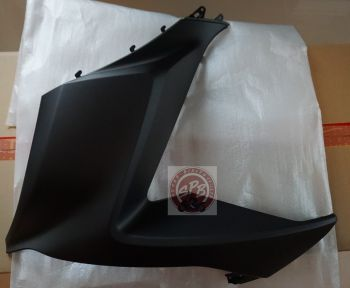 PCX150 COVER, RIGHT FRONT-MATT BLACK